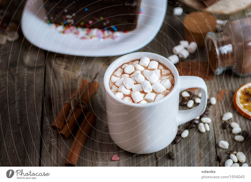cup of chocolate drink with marshmallows Dessert Candy Breakfast Beverage Hot drink Hot Chocolate Coffee Plate Cup Decoration Table Wood Delicious Brown Gray