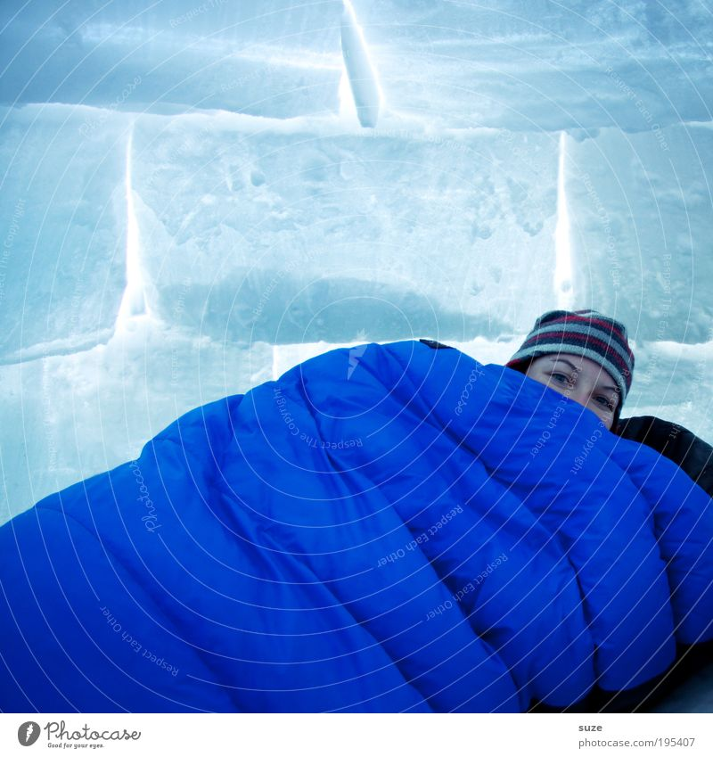 sleeping bag Vacation & Travel Tourism Trip Adventure Expedition Snow Winter vacation House (Residential Structure) Woman Adults Head 1 Human being