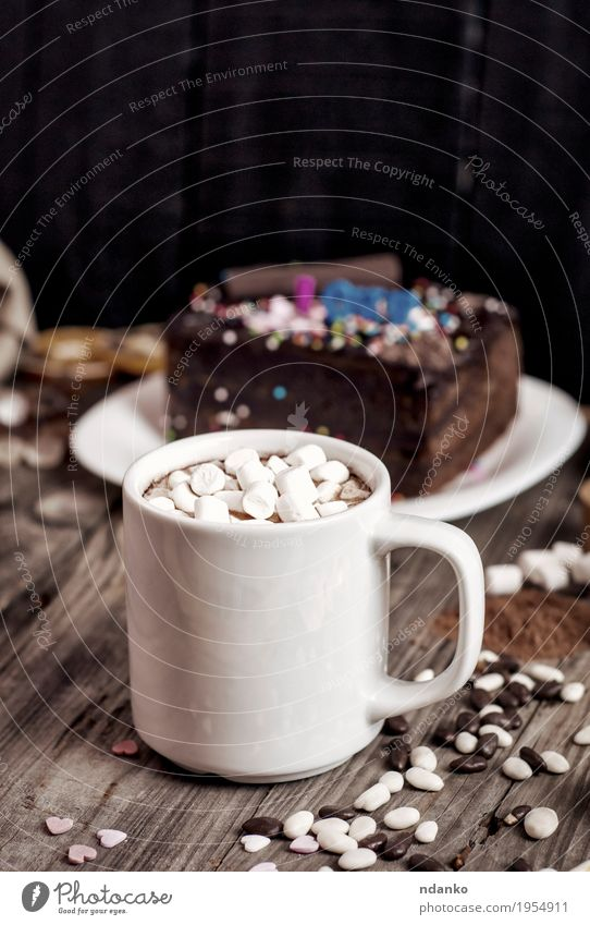 White mug with marshmallows and a drink Eating Natural Wood Gray Brown Retro Table Herbs and spices Beverage Delicious Candy Hot Cake Dessert Cup