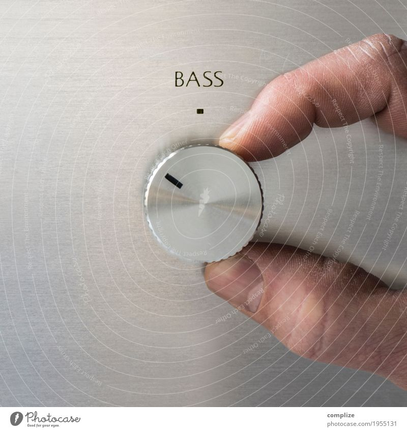 Turn up the bass Design Joy Calm Living or residing Flat (apartment) Night life Party Event Music Club Disco Disc jockey Going out Feasts & Celebrations