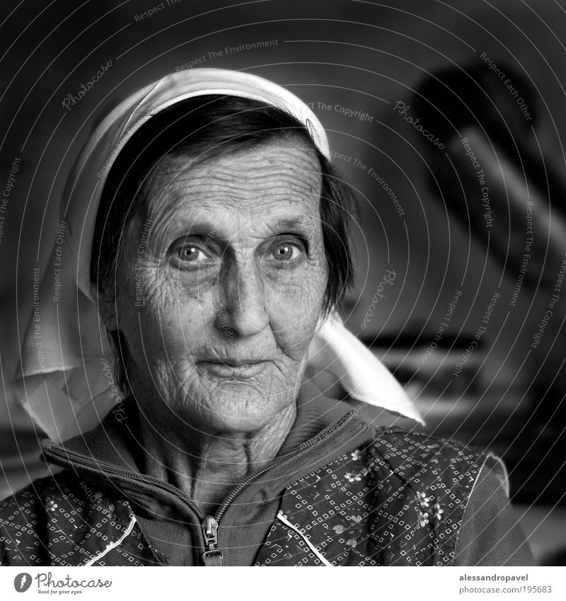Anna Klara Female senior Woman Grandmother Head 1 Human being 60 years and older Senior citizen Old Black White Emotions Goodness Humanity Serene Calm
