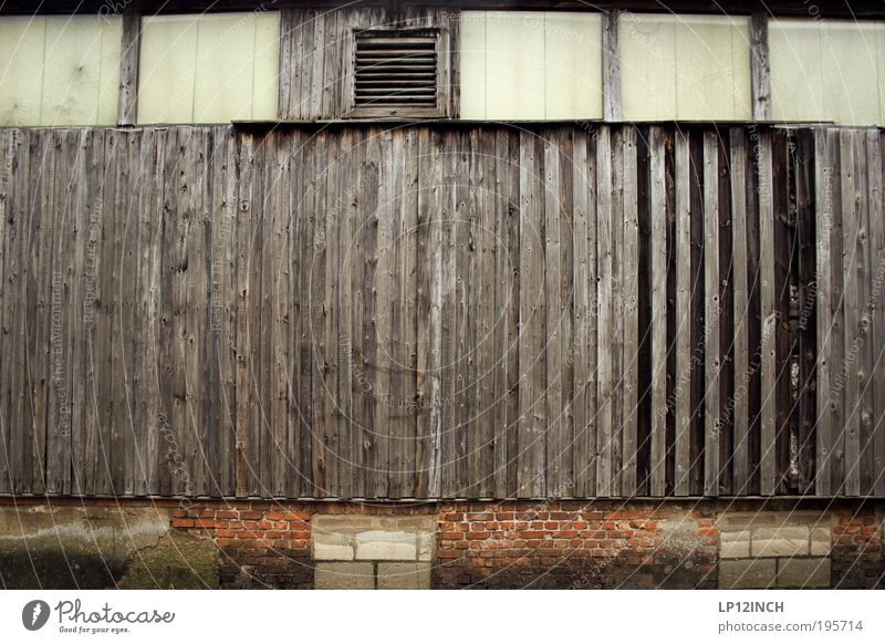 Loneliness Wall (building) Wood Architecture Stone Building Wall (barrier) Broken Exceptional Living or residing Retro Simple Mysterious Thin Creepy