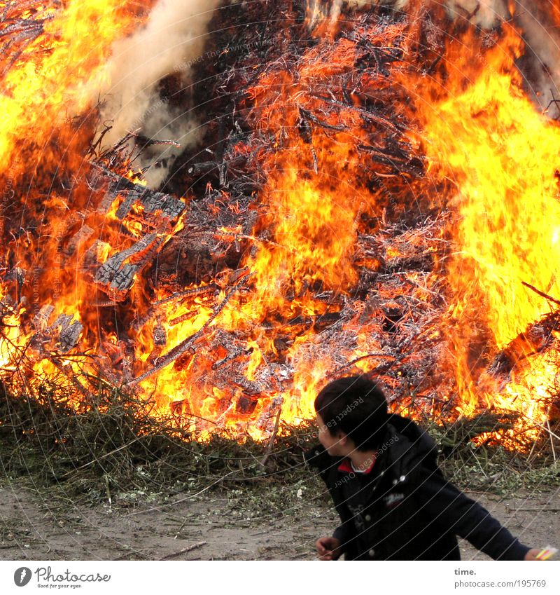 Red Yellow Warmth Emotions Boy (child) Wood Action Blaze Fire Smoke Hot Child Disaster Exhaust gas Throw Flame