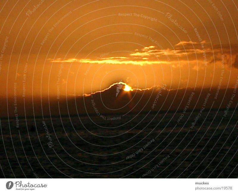 Sunset in La Palma Canaries Cloud pattern sundown