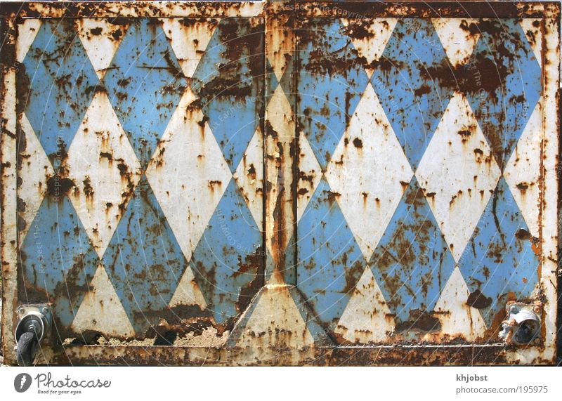 Bavaria starts rusting pit cage Metal Steel Rust Sign Hideous Blue White Transience Change diamond rusty Bavarian White-blue Colour photo Exterior shot Pattern