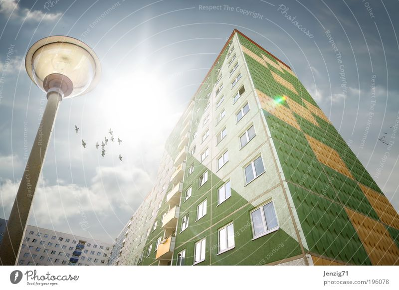 Sky City Summer Clouds House (Residential Structure) Window Architecture Building Lamp Weather Flat (apartment) Facade Energy industry High-rise Living or residing Construction site