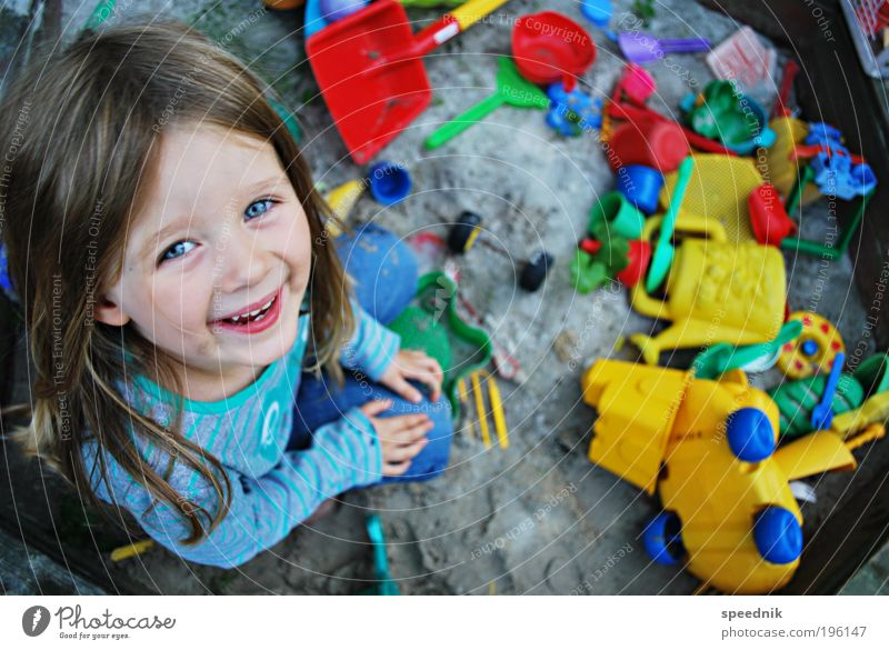 Human being Child Girl Joy Playing Garden Happy Laughter Sand Dirty Sit Happiness Kitsch Toys Joie de vivre (Vitality)