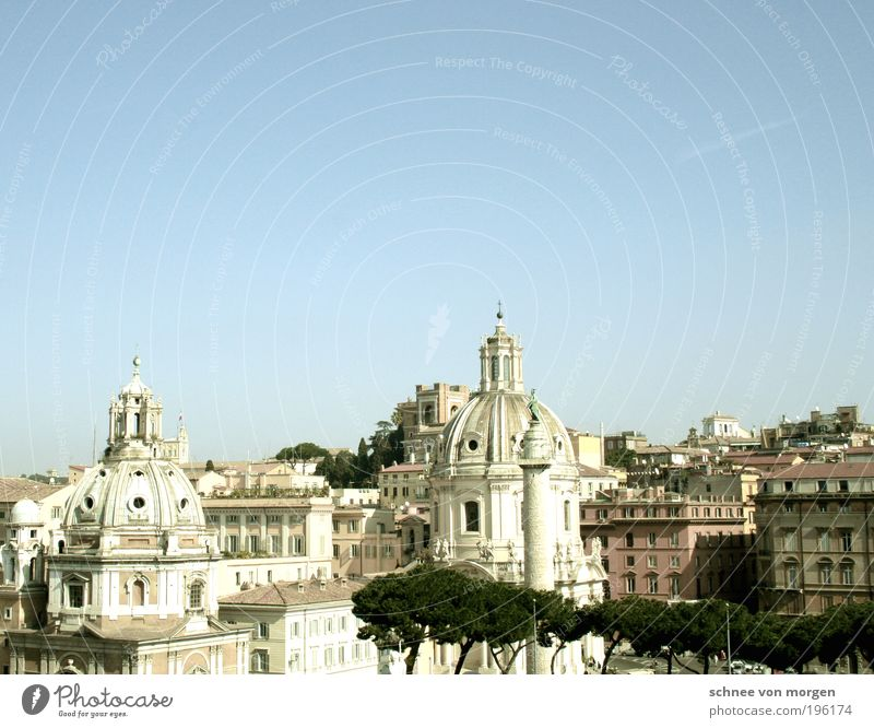 House (Residential Structure) Building Architecture Facade Church Italy Warm-heartedness Skyline Monument Manmade structures Landmark Downtown Rome Capital city