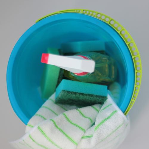 Spring cleaning ... Bucket Sponge Cleaning agent Floor cloth Plastic Work and employment Authentic Uniqueness Blue Yellow Green Red White Determination