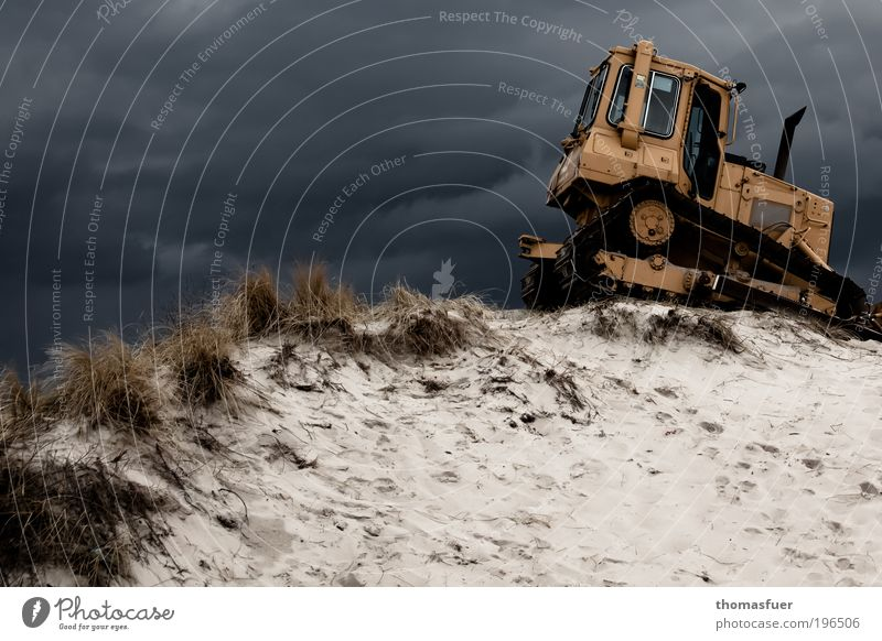 Sky Beach Work and employment Sand Power Coast Wind Driving Tourism Threat Construction site Profession Services Storm Effort Machinery