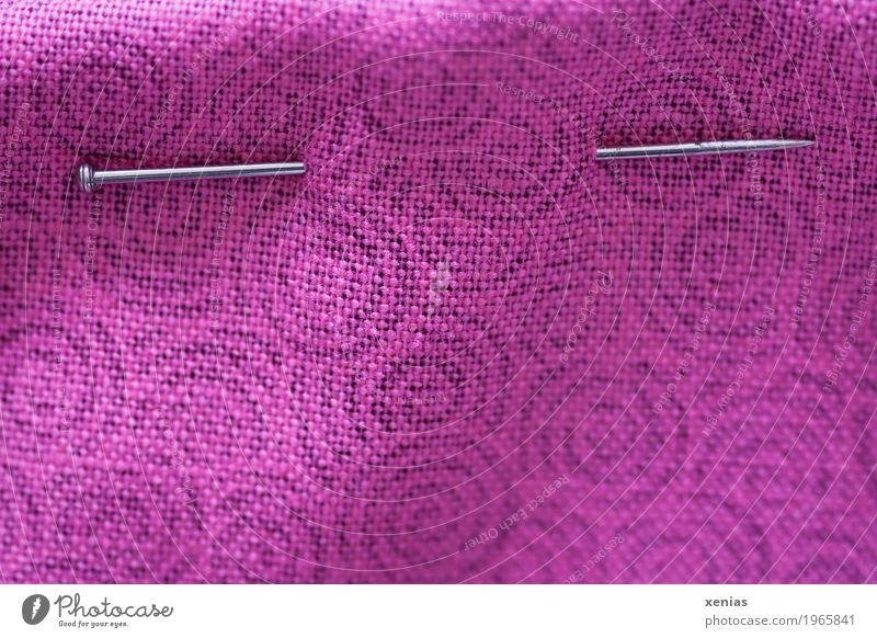 Pin stuck in pink cotton fabric Handcrafts needle Cloth Violet Pink Silver Sewing To plunge Circle Sewing needle Cotton plant Embroider Leisure and hobbies