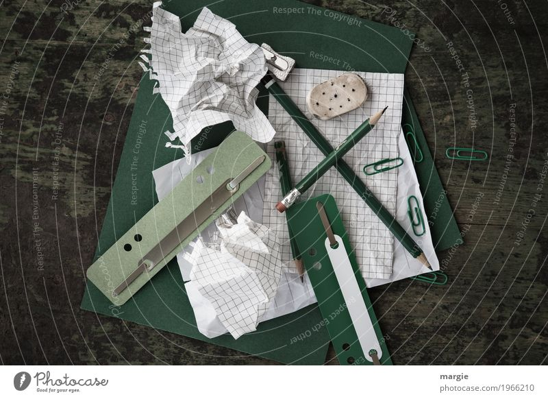 Chaos on the desk Work and employment Profession Office work Financial Industry Financial institution Business Write Green White Desk Stationery Pen Pencil