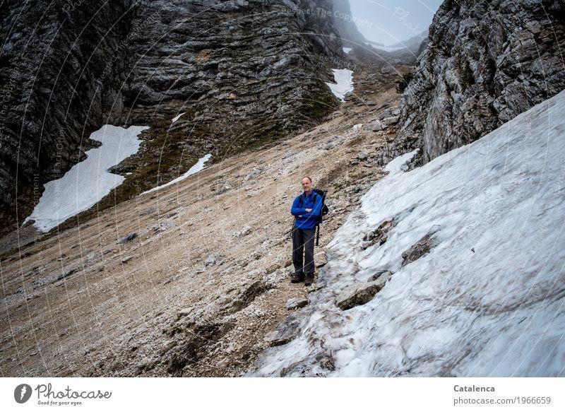 Human being Man Blue Landscape Joy Winter Mountain Black Adults Spring Gray Brown Rock Masculine Fog Hiking