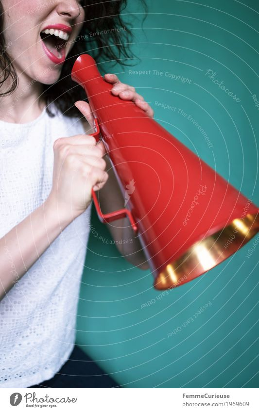 Attention, attention - an announcement! Feminine Young woman Youth (Young adults) Woman Adults 1 Human being 18 - 30 years Communicate Megaphone Information Red