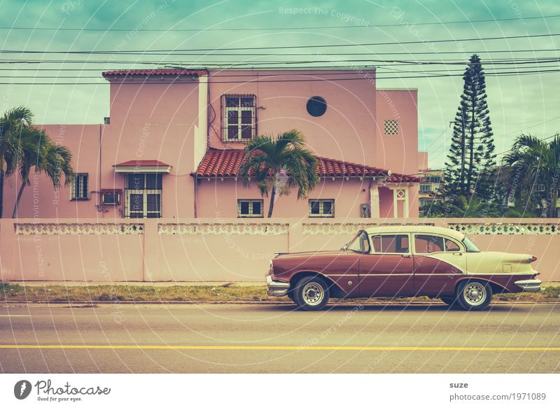 Vacation & Travel Old Summer Street Lifestyle Exceptional Time Pink Design Car Retro Esthetic Fantastic Transience Cool (slang) Past