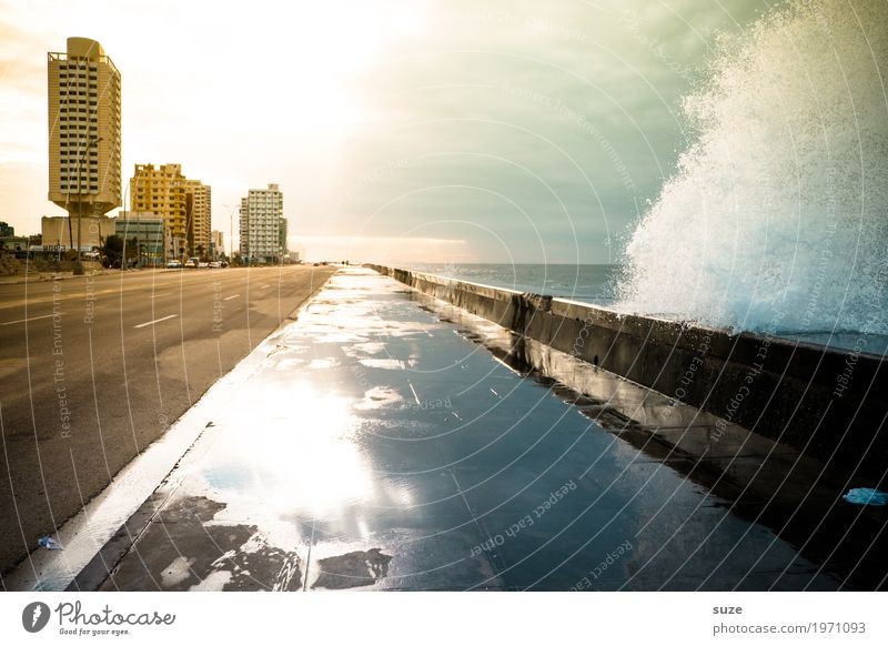 Wave coming Vacation & Travel Ocean Waves House (Residential Structure) Elements Water Sky Coast Bay Town Capital city Architecture Street Lanes & trails