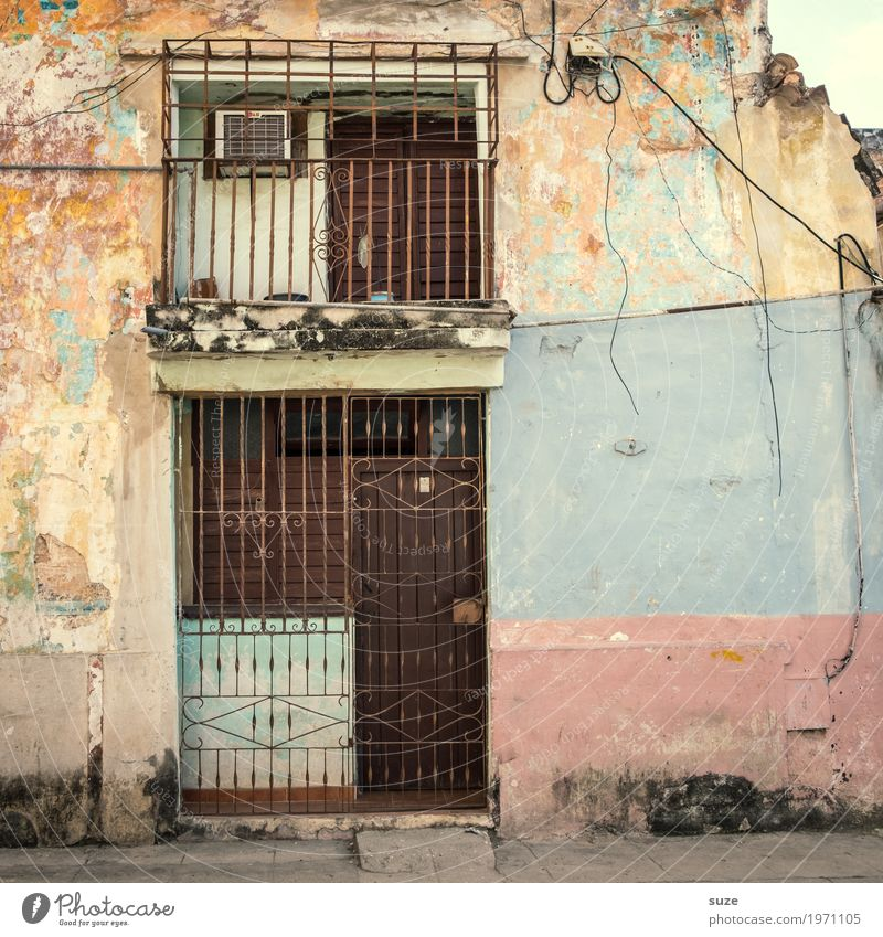 Vacation & Travel Town House (Residential Structure) Street Life Facade Living or residing Growth Door Retro Gloomy Culture Poverty Closed Transience Change