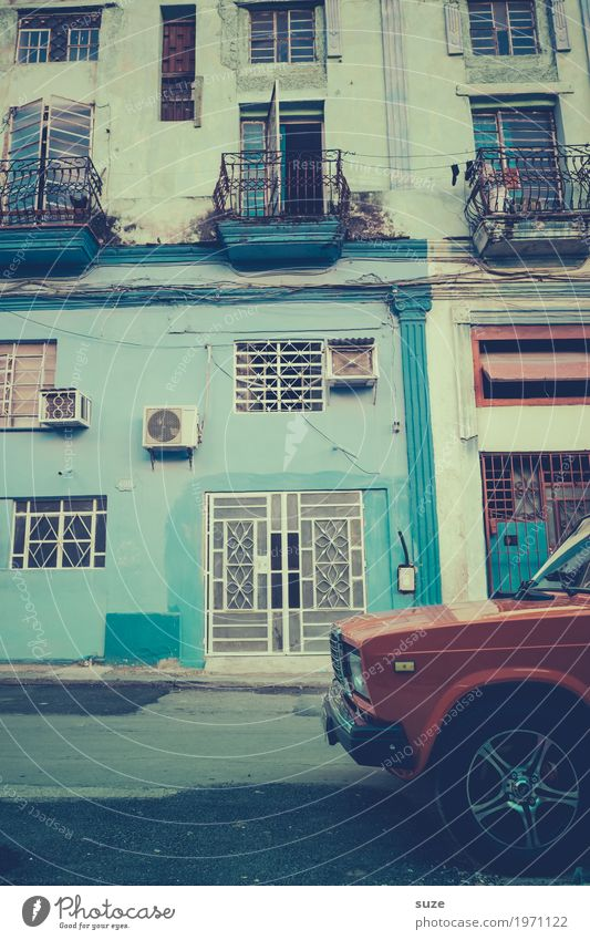 Vacation & Travel Old Town House (Residential Structure) Street Time Facade Car Retro Esthetic Uniqueness Transience Broken Past Cool (slang) Old town