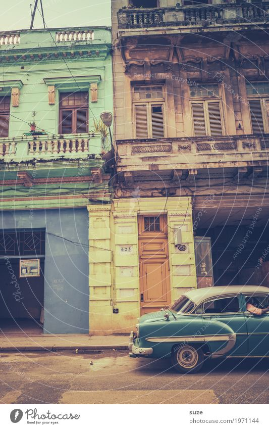 Vacation & Travel Old Town House (Residential Structure) Street Lifestyle Time Facade Car Retro Esthetic Transience Broken Cool (slang) Past Driving