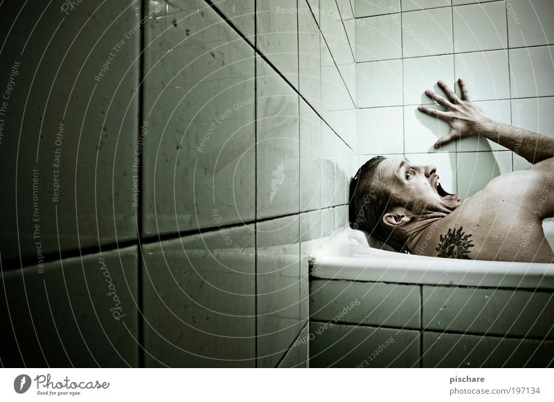 Green Dark Emotions Fear Adults Masculine Crazy Bathroom Threat Scream Tile Tattoo Bathtub Fear of death Human being Aggression