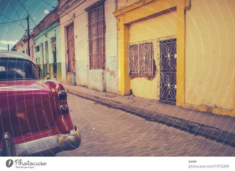 Vacation & Travel Town Red House (Residential Structure) Window Street Yellow Lanes & trails Time Tourism Facade Trip Car Retro Culture Transience