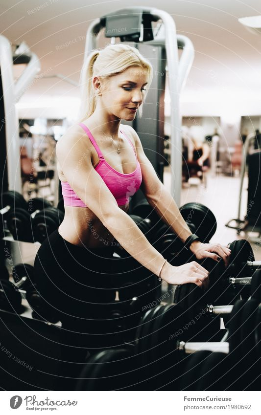 Human being Woman Youth (Young adults) Young woman 18 - 30 years Adults Lifestyle Healthy Movement Sports Feminine Pink Blonde Fitness Athletic Sports Training