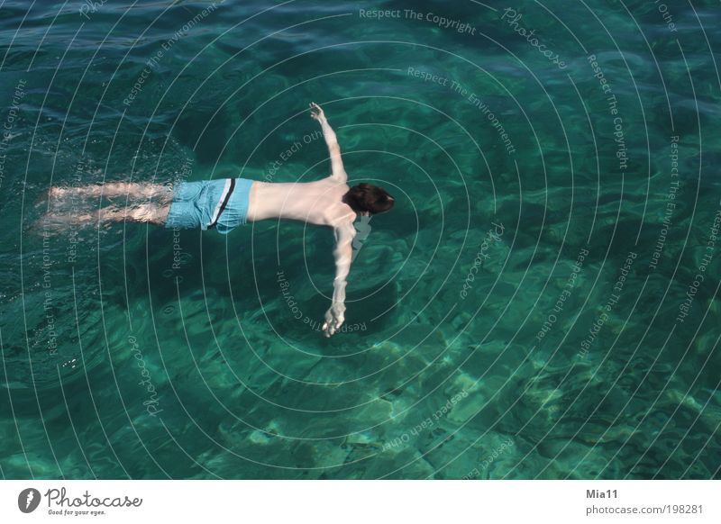 Human being Man Youth (Young adults) Water Ocean Green Blue Summer Vacation & Travel Relaxation Waves Body Adults Masculine