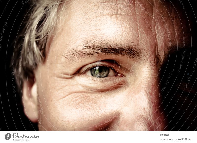 With a laughing eye Human being Masculine Man Adults Skin Head Face Eyes Eyebrow Pupil 1 45 - 60 years Smiling Laughter Looking Happy Beautiful Near Green