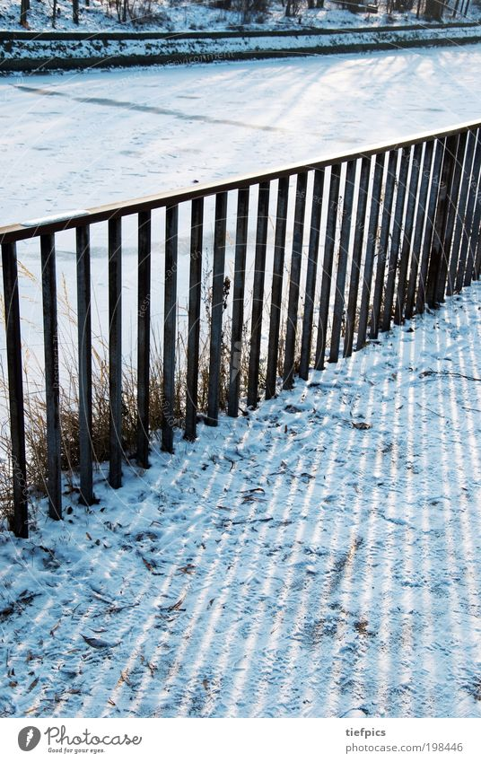 Blue Winter Snow Coast Park Ice Trip Stripe Frost To go for a walk Sidewalk Frozen Handrail Fence Brook Channel