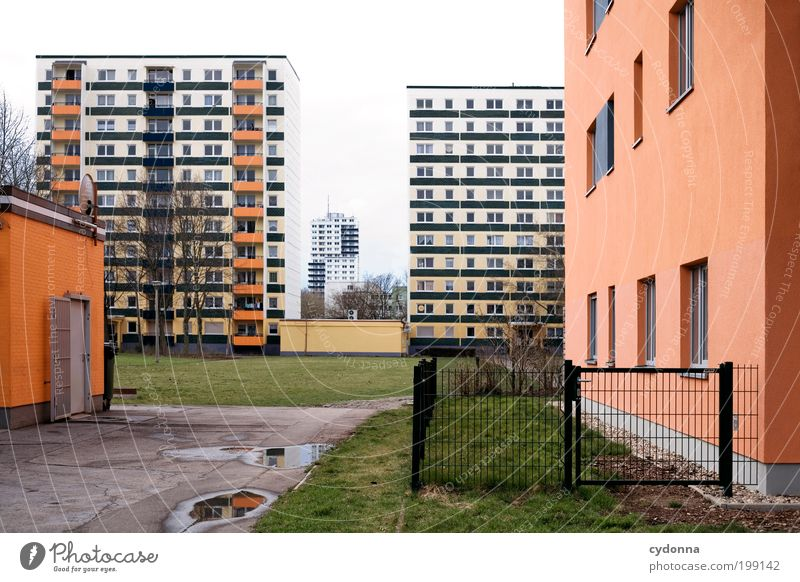 [HAL] LE Neustadt Luxury Style Living or residing Education Work and employment Environment Meadow Town Deserted Architecture Facade Loneliness