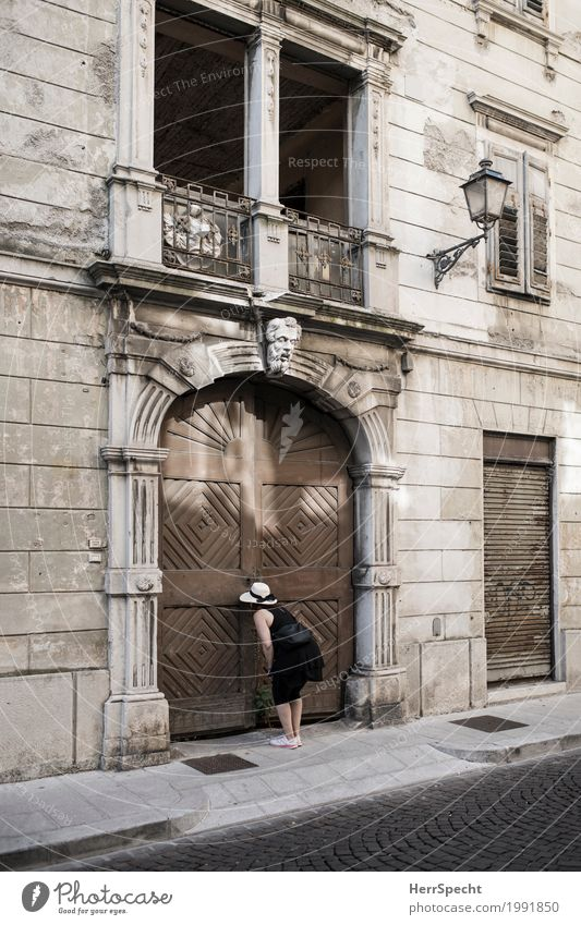 Who lives there? Feminine Woman Adults 1 Human being 30 - 45 years Downtown Old town House (Residential Structure) Palace Building Architecture Facade Window