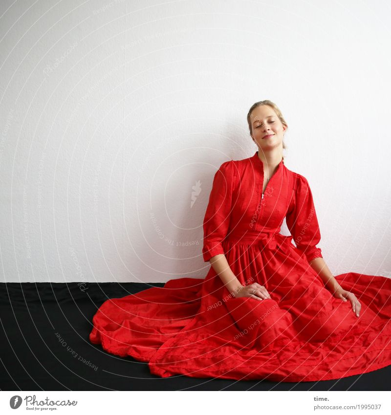 . Room Feminine Woman Adults 1 Human being Dress Blonde Long-haired To enjoy Sit Dream Friendliness Happy Beautiful Warmth Contentment Joie de vivre (Vitality)