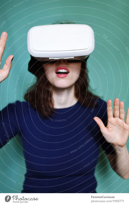 Human being Woman Youth (Young adults) Young woman 18 - 30 years Adults Feminine Technology Authentic Eyeglasses Experience Really Virtual Cyberspace