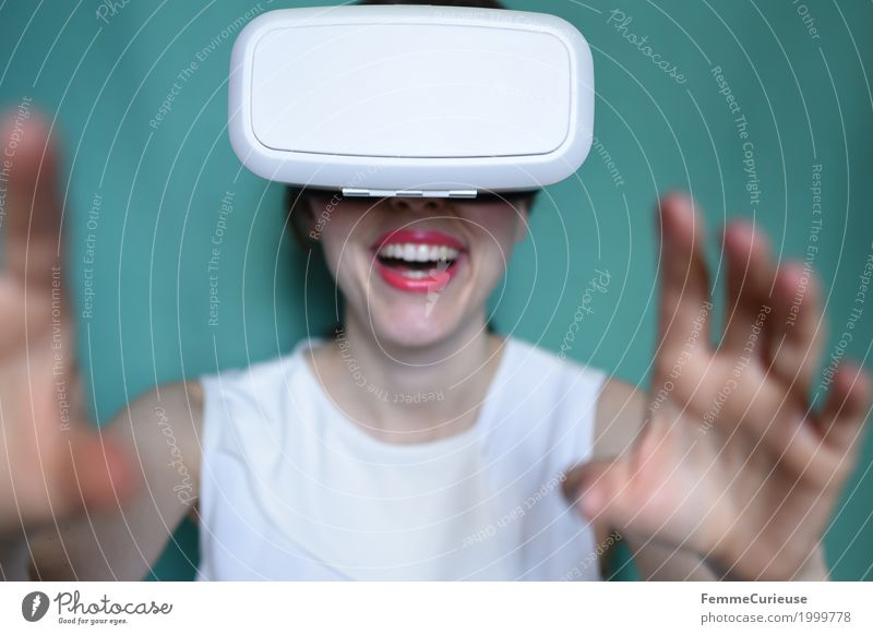 Virtual Reality (03) Feminine Young woman Youth (Young adults) Woman Adults 1 Human being 18 - 30 years Experience Really virtual reality Eyeglasses Cyberspace