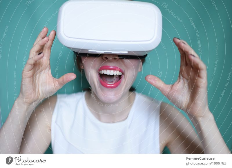 Virtual Reality (11) Feminine Young woman Youth (Young adults) Woman Adults Human being 18 - 30 years Experience Technology Cyberspace New Media Really