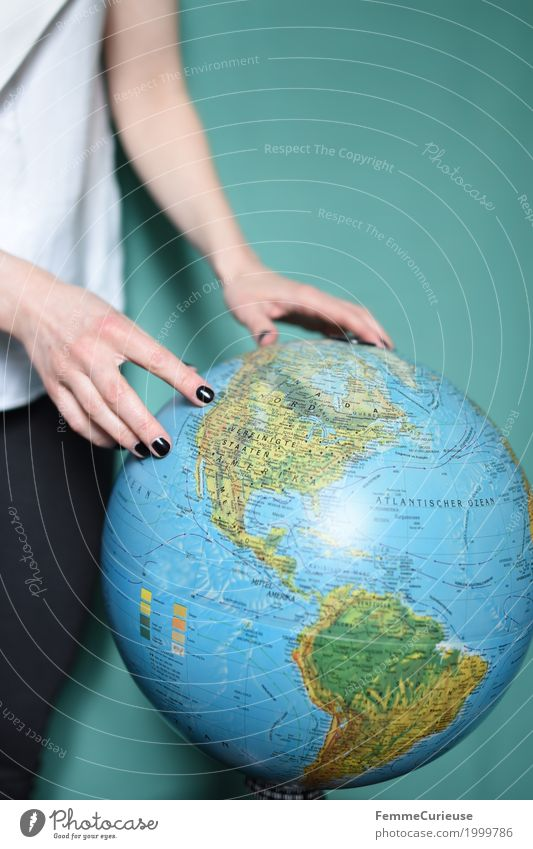 globetrotter Feminine Young woman Youth (Young adults) Woman Adults 1 Human being 18 - 30 years Vacation & Travel Globe Earth Travel photography Tourism
