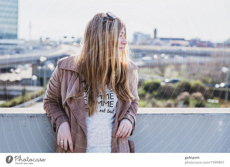 Human being Woman Youth (Young adults) Young woman Town Beautiful 18 - 30 years Adults Warmth Life Lifestyle Feminine Moody Happiness Joie de vivre (Vitality) Skyline