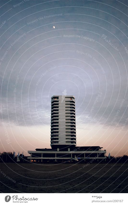 Sky Beach Calm Loneliness Sand Architecture Concrete High-rise Modern Hotel Mecklenburg-Western Pomerania Middle Moon Geometry Dusk