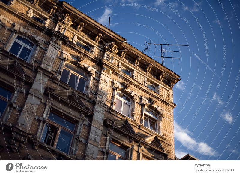 [HAL] Evening mood Lifestyle Style Design Living or residing Redecorate Sky Old town Ruin Architecture Facade Window Antenna Education Uniqueness Freedom Idyll