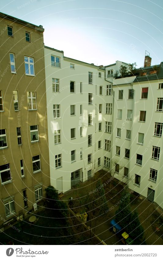 Sky Town Clouds House (Residential Structure) Window Wall (building) Berlin Wall (barrier) Facade City life Copy Space Living or residing Weather Apartment Building Downtown Cloudless sky