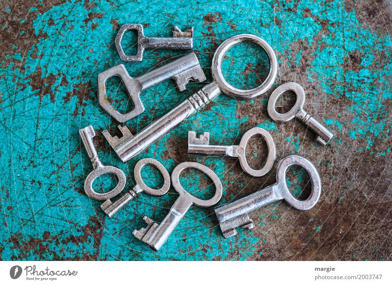 Key assortment: many different keys Living or residing Flat (apartment) House building Redecorate Moving (to change residence) Arrange Services Craft (trade)