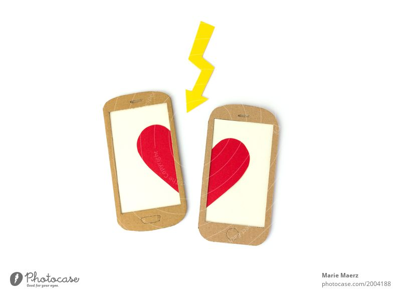 breaking up Cellphone PDA Heart Argument Sadness Cry Brash Gloomy Anger Lovesickness Disappointment Jealousy Mistrust Love affair Grief Divide Communication SMS
