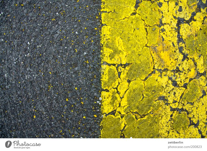 grey-yellow/yellow-grey Trajectory Airfield Runway Field Colour Dye Signs and labeling Lane markings Structures and shapes Remainder Diffuse Fine particles