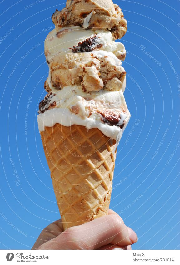 Hand Summer Nutrition Food Warmth Large Ice cream Sweet Beautiful weather Overweight Appetite Refreshment Summer vacation Anticipation Dessert Blue sky