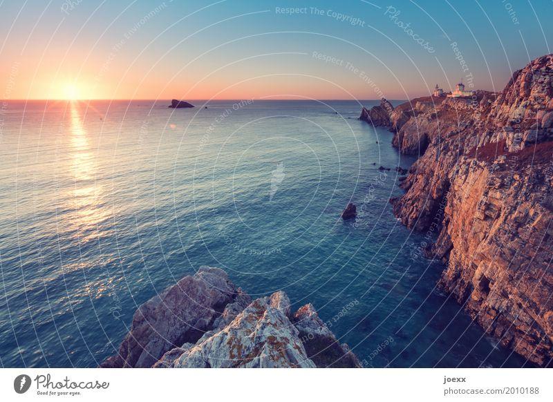 Camaret-sur-Mer Landscape Sun Sunrise Sunset Sunlight Beautiful weather Rock Waves Coast Ocean France Lighthouse Calm Wanderlust Freedom Horizon Idyll