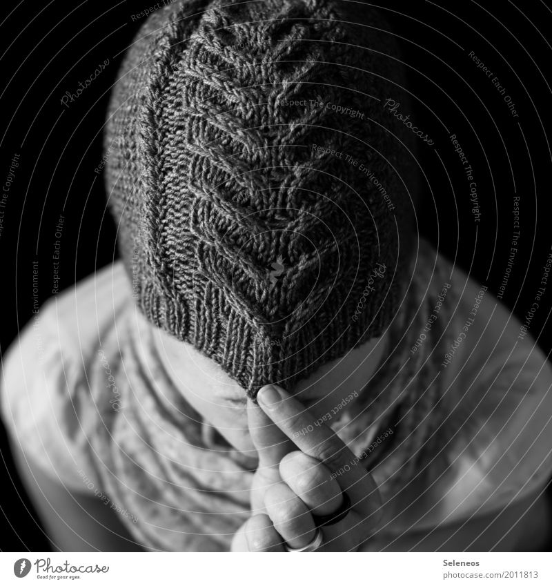 anonymity Leisure and hobbies Handcrafts Knit Human being Head 1 Clothing Cap Warmth Soft Hide Hiding place Anonymous Knitting pattern Wool Woolen hat
