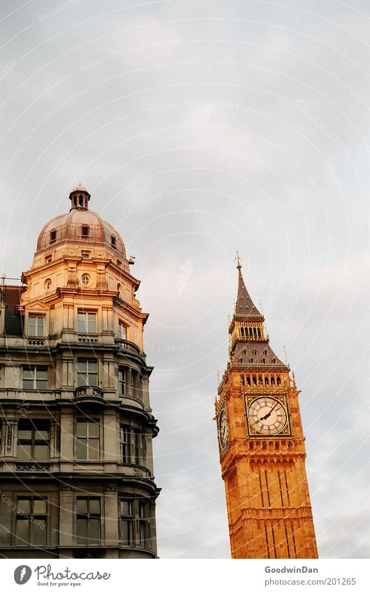 Beautiful Happy Warmth Tower Clock Joie de vivre (Vitality) England London Landmark Tourist Attraction Clouds in the sky Church clock Big Ben
