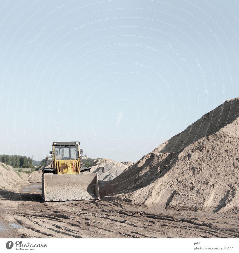 Sky Work and employment Sand Gloomy Break Construction site Company Vehicle Workplace Excavator Heap Shovel Excavator shovel