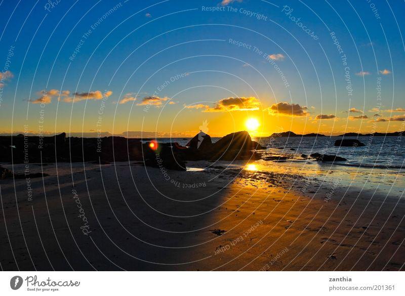 Nature Water Sky Sun Ocean Summer Beach Vacation & Travel Clouds Relaxation Contentment Moody Coast Horizon Island Joie de vivre (Vitality)