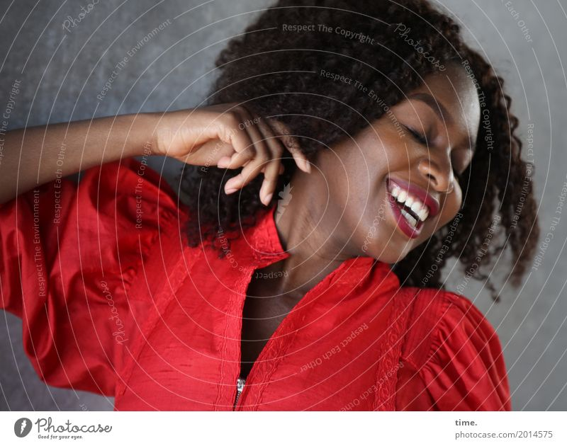 arabella Feminine Woman Adults 1 Human being Wall (barrier) Wall (building) Dress Hair and hairstyles Black-haired Long-haired Afro Relaxation Laughter